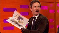 Eddie Redmayne devient magicien sous les yeux de Bryan Cranston et Benedict Cumberbatch