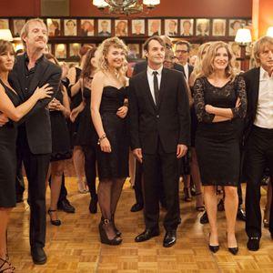 Photo Imogen Poots, Jennifer Aniston, Kathryn Hahn, Owen Wilson, Rhys Ifans