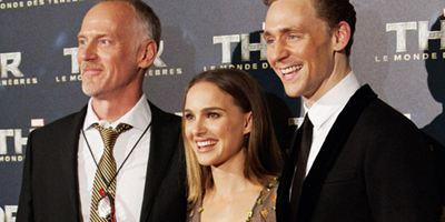 """""""Thor 2"""" : Natalie Portman et Tom Hiddleston flamboyants à l'avant-première parisienne ! [PHOTOS]"""