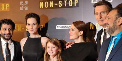 Non-Stop: Liam Neeson et Julianne Moore, grande classe, à l'avant-première parisienne. [DIAPORAMA]
