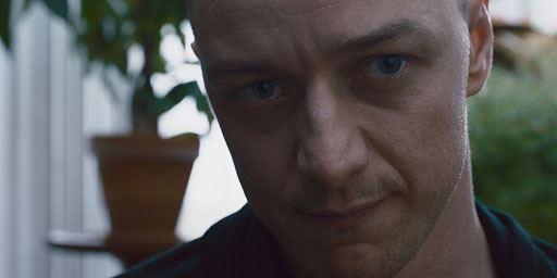 Nouvelle bande-annonce Split : 23 personnalités se bousculent dans la tête du terrifiant James McAvoy