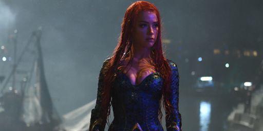 Aquaman : Amber Heard dévoile le look coloré de Mera