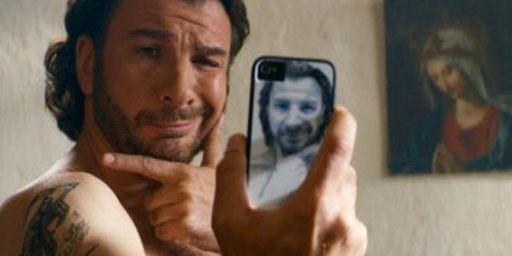 Michaël Youn en Christ rigolo ? Il partage une première photo