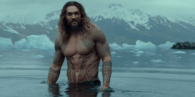 Aquaman : Jason Momoa enlève le haut sur la photo du film DC Comics