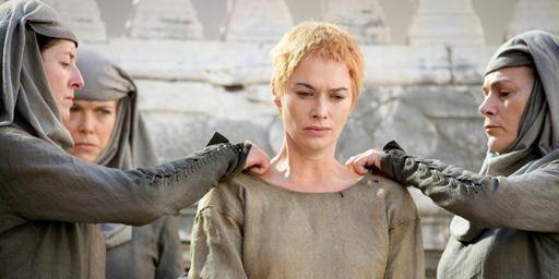 Ces faits historiques qui inspirent Game of Thrones : la marche de la honte de Cersei Lannister