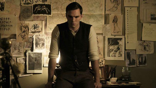Le Seigneur des anneaux : Nicholas Hoult est Tolkien dans la première bande-annonce du biopic