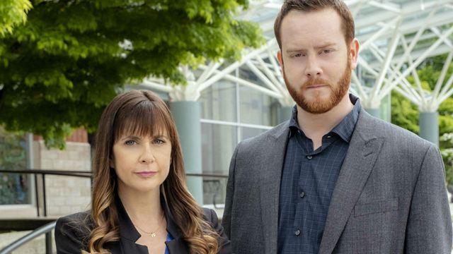 Petits meurtres et confidences sur TF1 : c'est quoi cette série avec Kellie Martin, vue dans Urgences ?