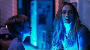 Bande-annonce Dans le noir : N'éteignez jamais la lumière…