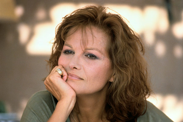 photo de claudia cardinale un homme amoureux photo claudia cardinale allocin. Black Bedroom Furniture Sets. Home Design Ideas
