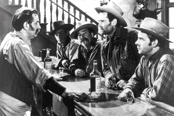 L'Etrange incident : photo Harry Morgan, Henry Fonda, William A. Wellman