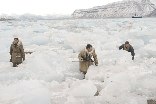 Far North : Photo Michelle Krusiec, Michelle Yeoh, Sean Bean