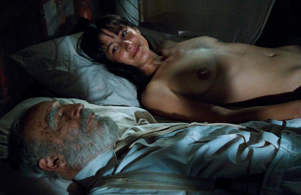 Paola medina espinoza nude from memoria de mis putas tristes - 3 7