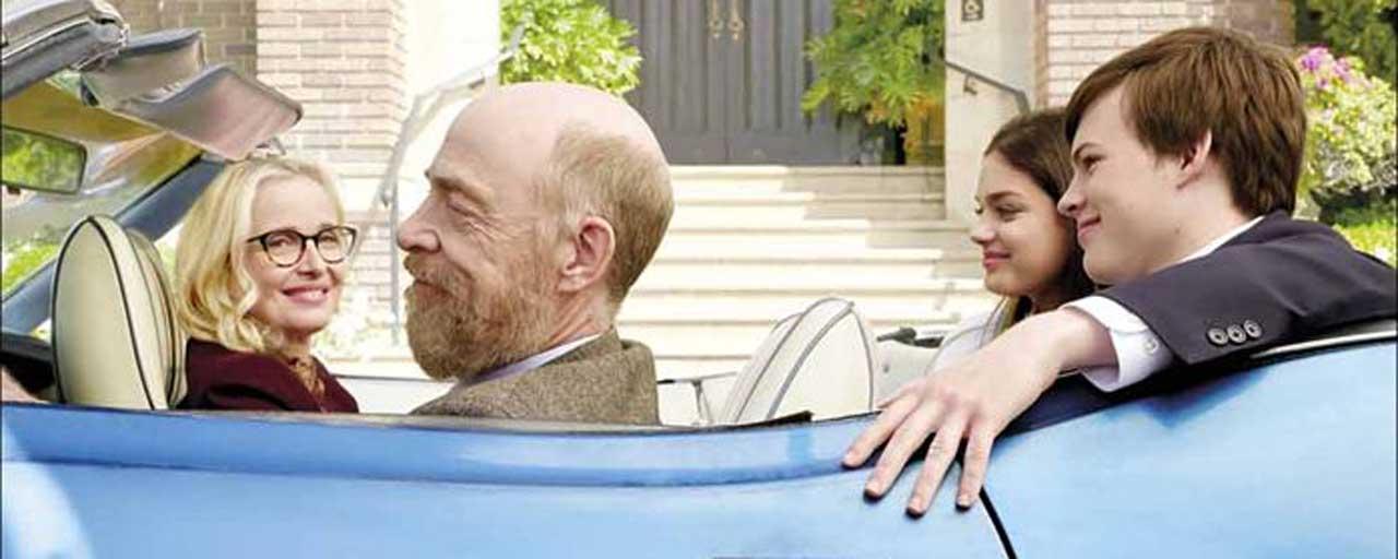 Bande-annonce The Bachelors : J.K. Simmons reprend goût à la vie grâce à Julie Delpy