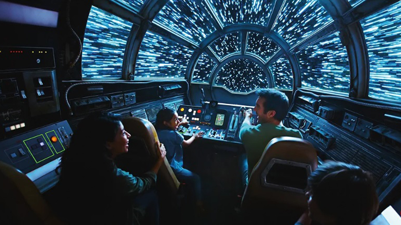 Star Wars : premières photos de la nouvelle attraction Millennium Falcon : Smugglers Run des parcs Disneyland