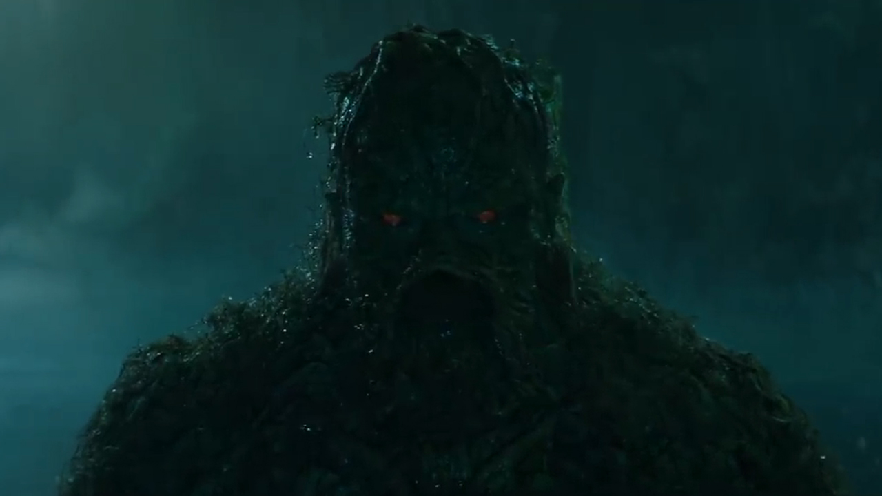Swamp Thing : le monstrueux super-héros DC révèle un teaser, une date... et stoppe sa production !