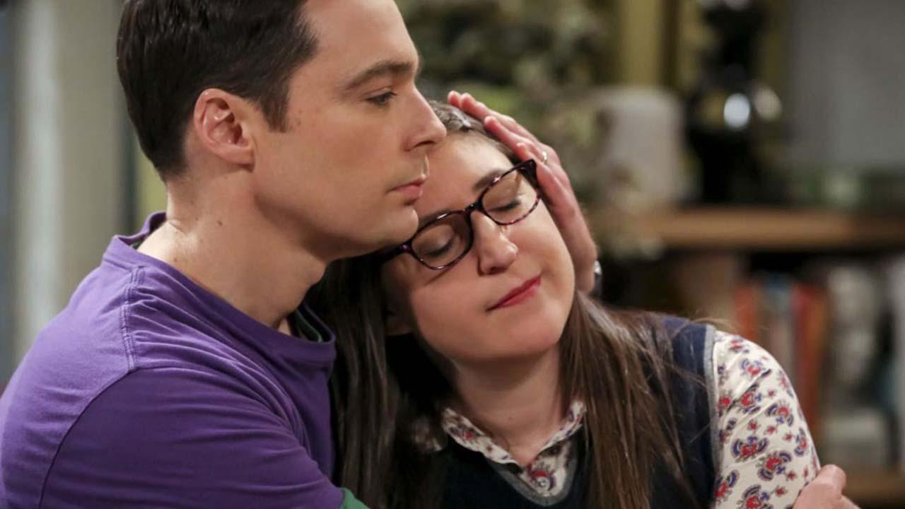 The Big Bang Theory : Mayim Bialik (Amy) révèle qu'elle n'a jamais vu un épisode !