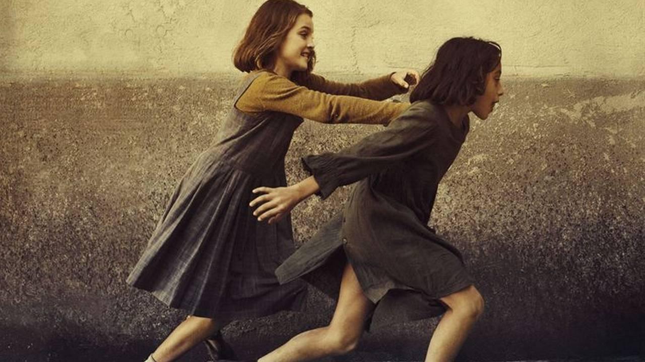 L'Amie Prodigieuse (France 2): que vaut l'adaptation série de la saga phénomène d'Elena Ferrante ?