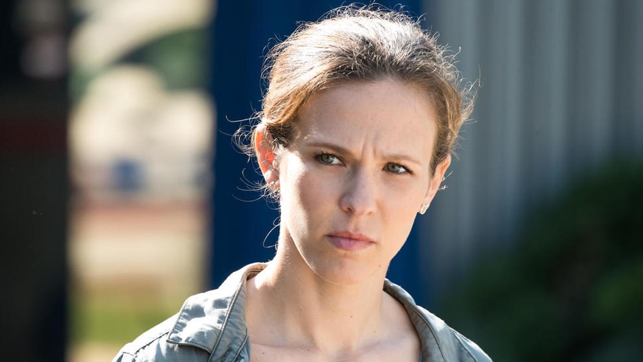 Demain nous appartient : Lorie Pester annonce officiellement son retour dans la série