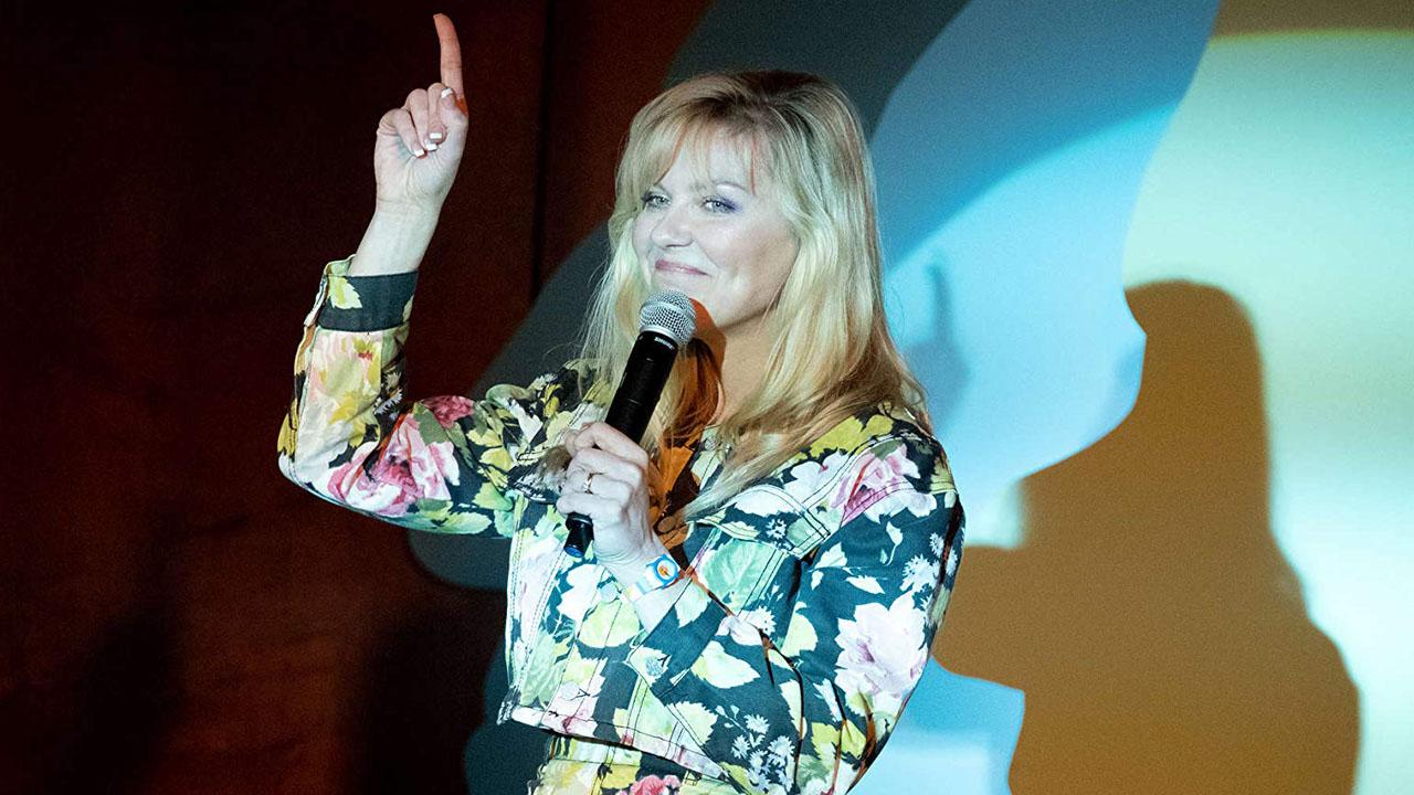 Becoming A God sur SALTO : que vaut la comédie cynique avec Kirsten Dunst ?