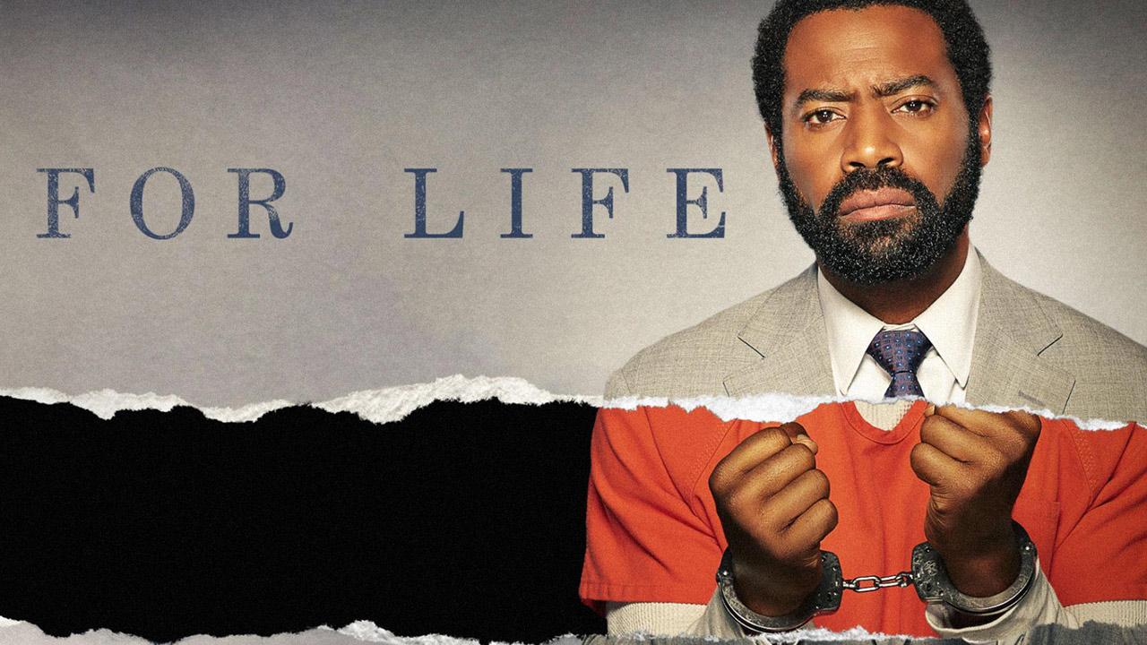"""For Life sur TF1 : une série judiciaire qui va """"plus loin que la normale"""" selon Nicholas Pinnock"""