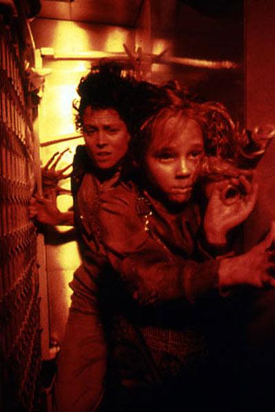 Aliens le retour : Photo Carrie Henn, Sigourney Weaver