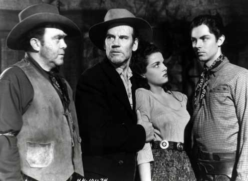 Le Banni : Photo Howard Hughes, Jack Buetel, Jane Russell, Thomas Mitchell, Walter Huston
