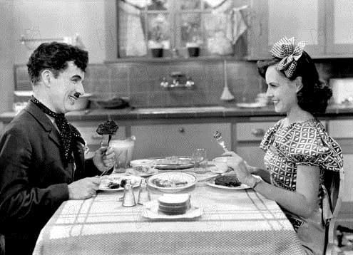 Les Temps modernes : Photo Charles Chaplin, Paulette Goddard