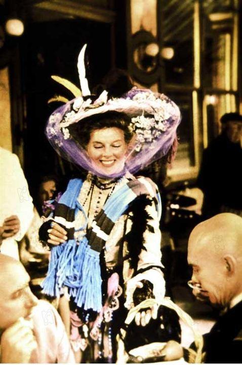 La Folle de Chaillot : Photo Bryan Forbes, Katharine Hepburn, Yul Brynner