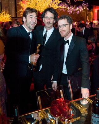 Cérémonie des Oscars 2008 : Photo Ethan Coen, Javier Bardem, Joel Coen