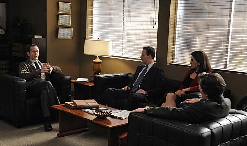 Photo Denis O'Hare, Josh Charles, Julianna Margulies, Michael J. Fox