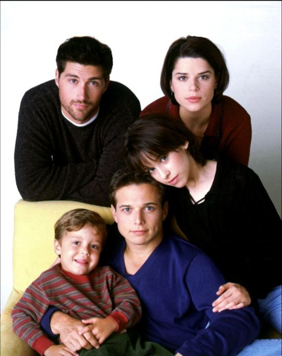 La Vie à cinq : Photo Brandon & Taylor Porter, Lacey Chabert, Matthew Fox, Neve Campbell, Scott Wolf