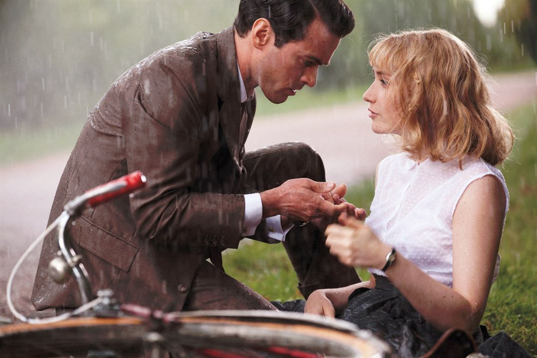 Populaire : Photo Déborah François, Romain Duris