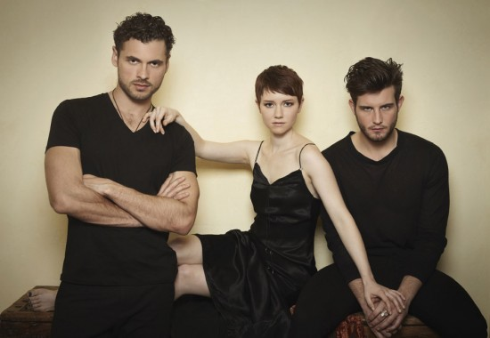 Following : Photo Adan Canto, Nico Tortorella, Valorie Curry