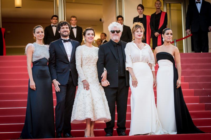 Michelle Jenner, Daniel Grao, Adriana Ugarte, Pedro Almodovar, Emma Suarez et Inma Cuesta