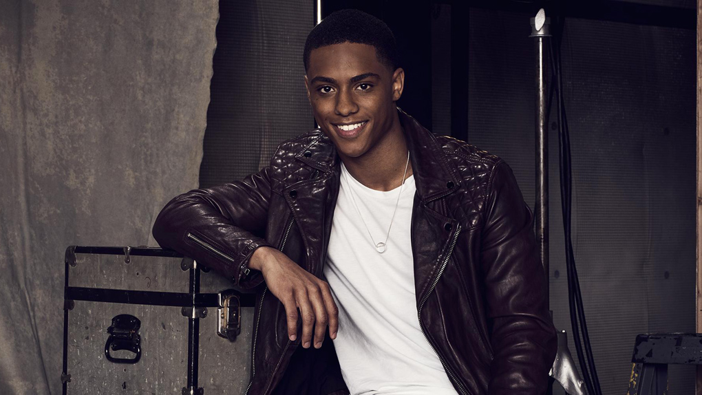 Keith Powers, de Faking It à The New Edition Story et Famous in Love...