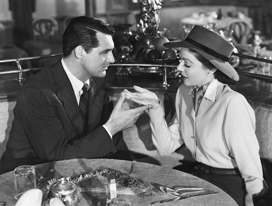 Honni soit qui mal y pense : Photo Cary Grant, Loretta Young