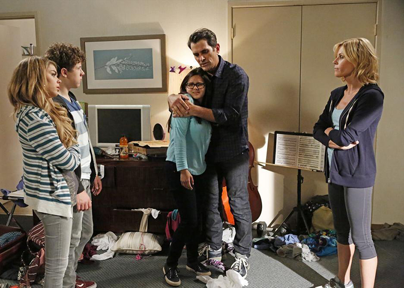 Photo Ariel Winter, Julie Bowen, Nolan Gould, Sarah Hyland, Ty Burrell