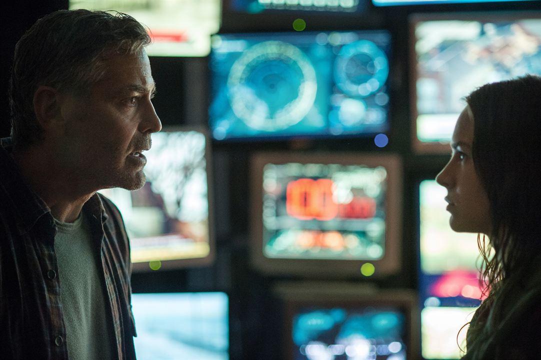 À la poursuite de demain : Photo Britt Robertson, George Clooney