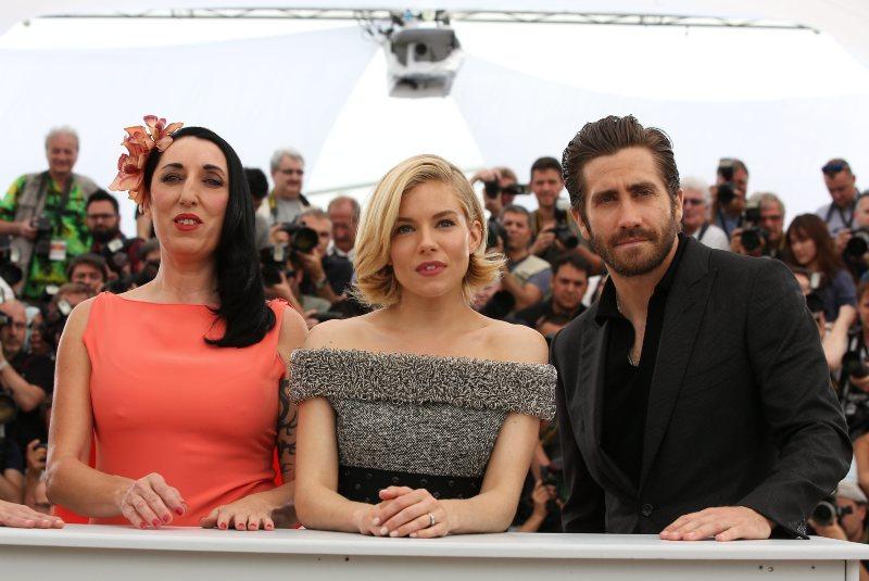 Photo promotionnelle Jake Gyllenhaal, Rossy de Palma, Sienna Miller