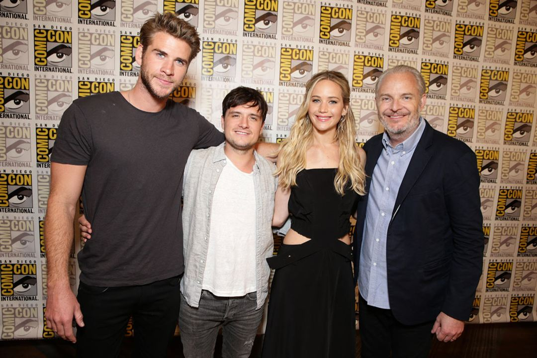 Hunger Games - La Révolte : Partie 2 : Photo promotionnelle Francis Lawrence, Jennifer Lawrence, Josh Hutcherson, Liam Hemsworth