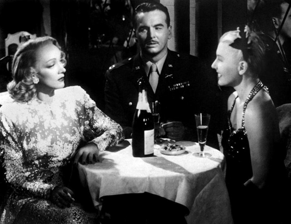La Scandaleuse de Berlin : Photo Jean Arthur, John Lund, Marlene Dietrich
