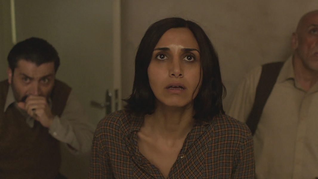 Under The Shadow : Photo