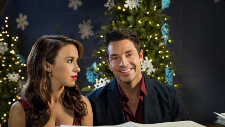 Une Mélodie de Noël : Photo Brennan Elliott, Lacey Chabert