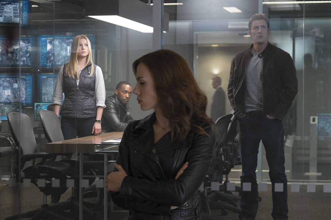 Captain America: Civil War : Photo Anthony Mackie, Chris Evans, Emily VanCamp, Scarlett Johansson