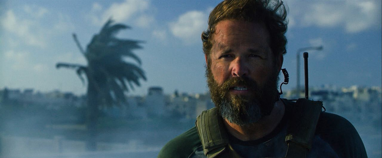 13 Hours : Photo David Denman