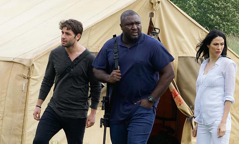 Photo James Wolk, Joanne Kelly, Nonso Anozie
