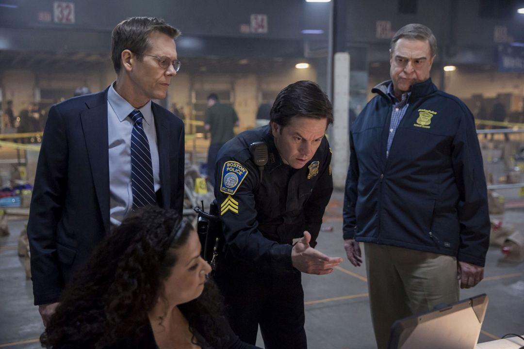 Traque à Boston : Photo John Goodman, Kevin Bacon, Mark Wahlberg