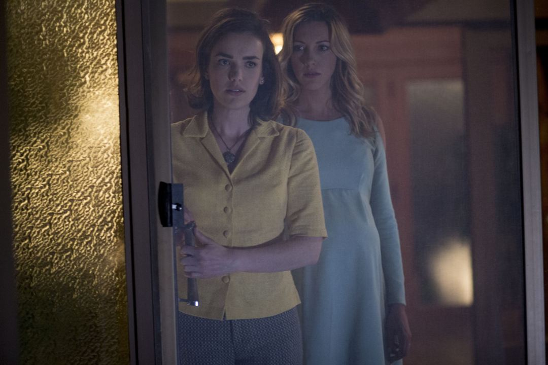 Wolves At The Door : Photo Elizabeth Henstridge, Katie Cassidy