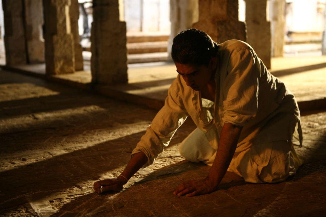 L'Homme qui défiait l'infini : Photo Dev Patel