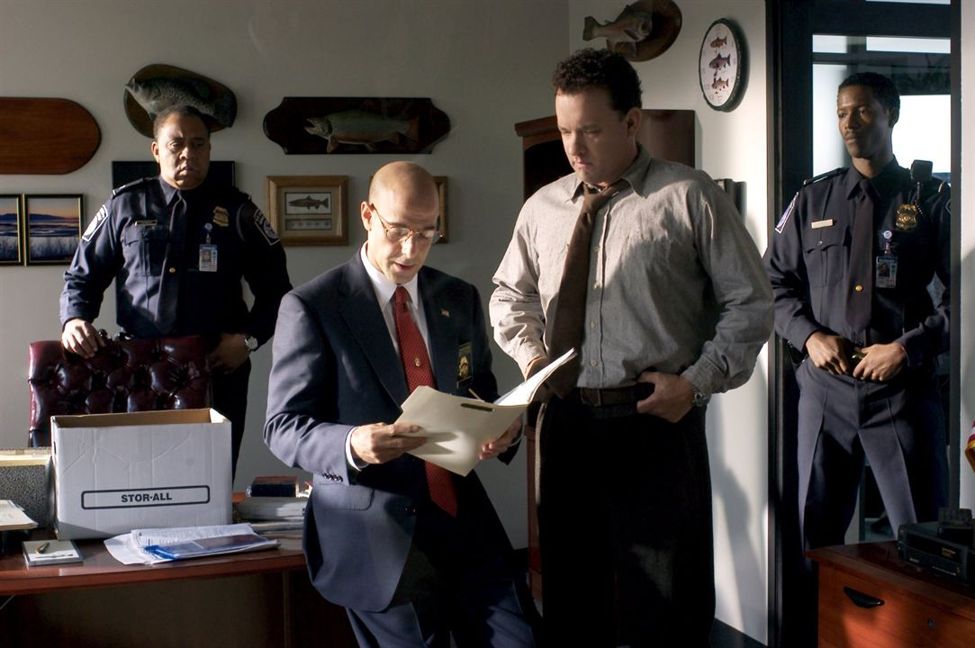 Le Terminal : Photo Barry Shabaka Henley, Corey Reynolds, Stanley Tucci, Tom Hanks